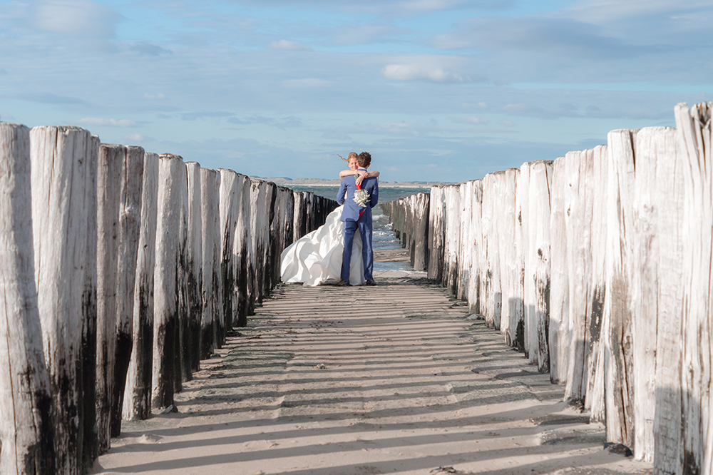 Bruidsreportage huwelijk strand