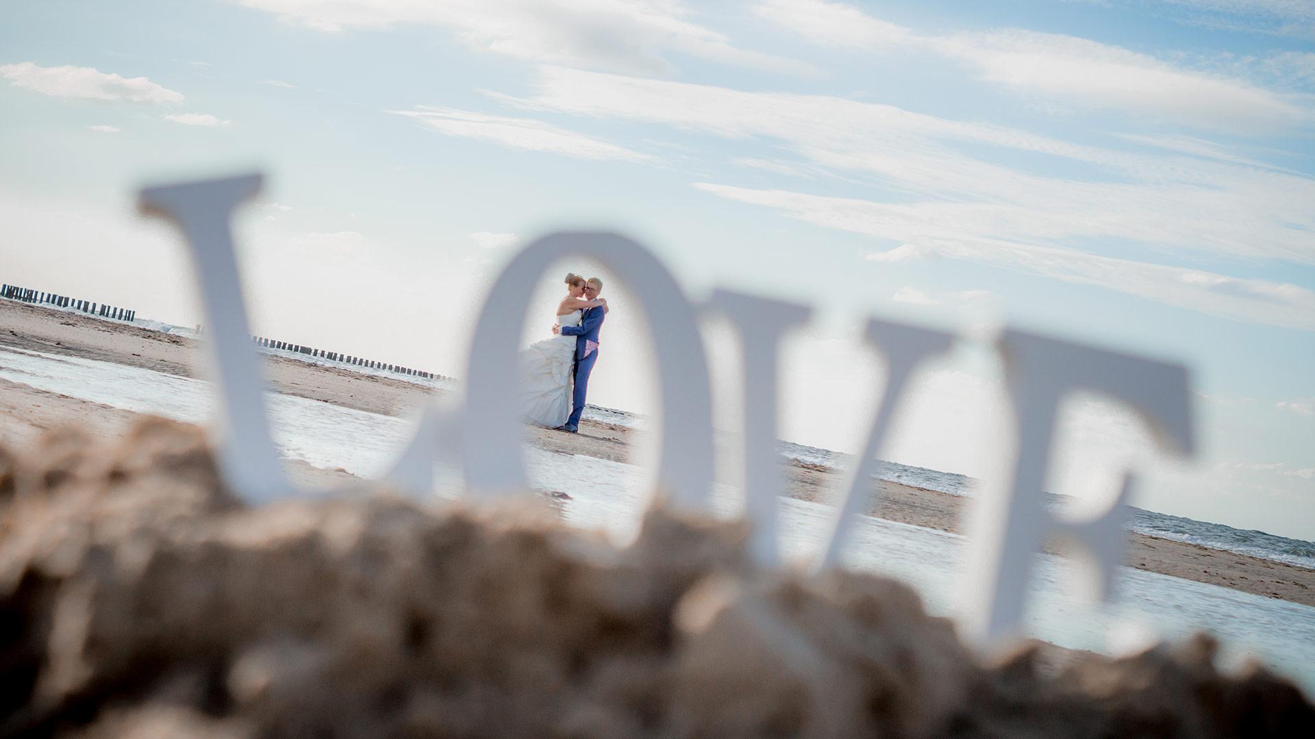 bruidsfotograaf Den Bosch trouwreportage strand