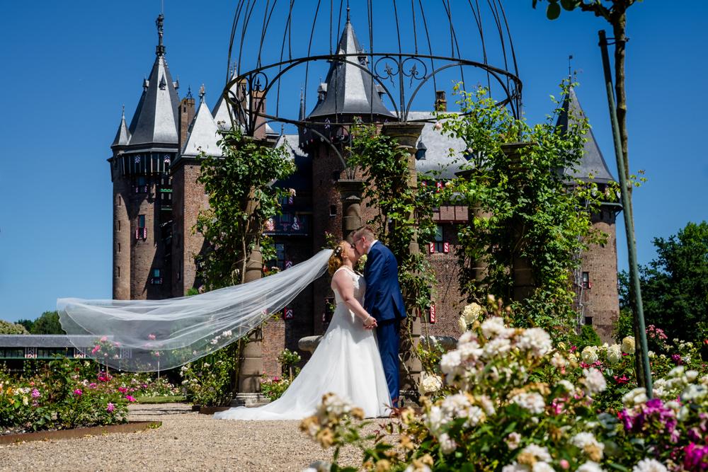 Trouwen en trouwfoto's bij kasteel de Haar, Marion & Jeroen